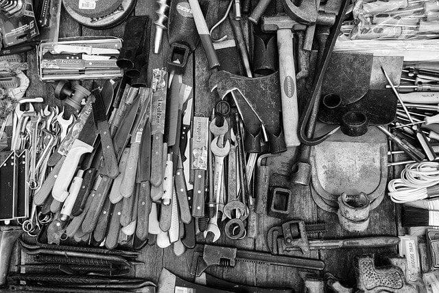 narzędzia do szafki