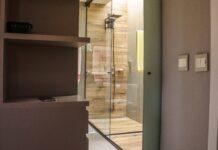 W jaki sposób przebiega montaż kabiny prysznicowej?