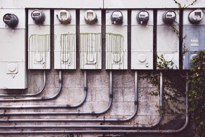 Ile prądu zużywa farelka 2000W?